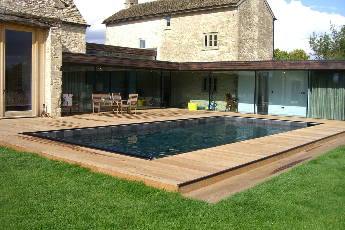 Chemical free swimming pool - Clear Water Revival