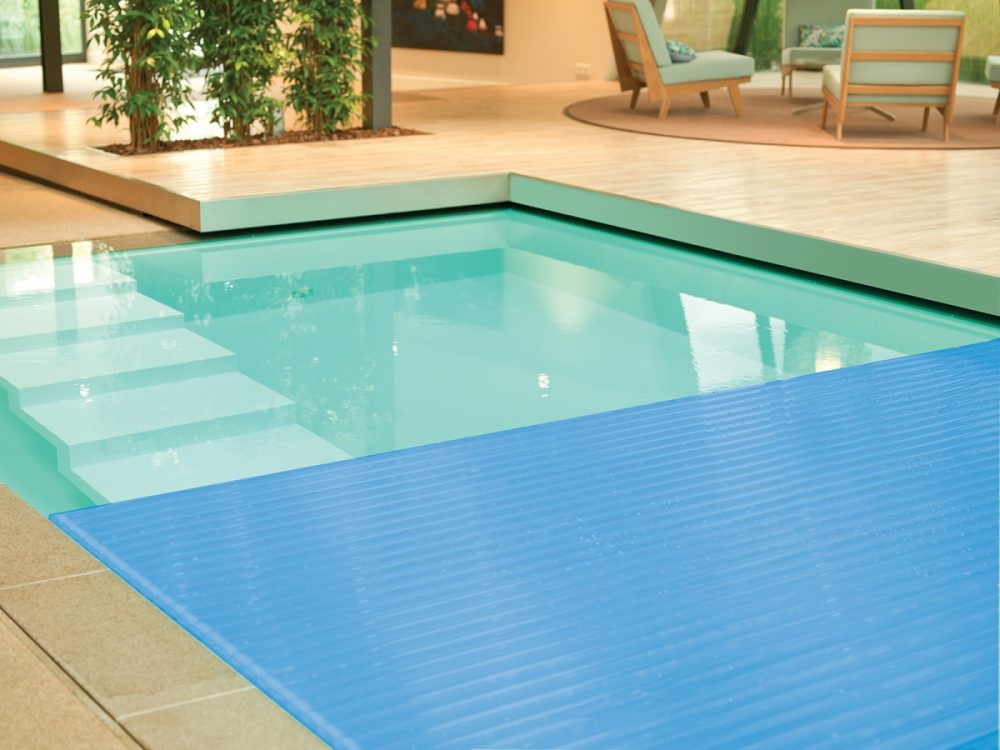 Chemical-free swimming pool cover - Clear Water Revival